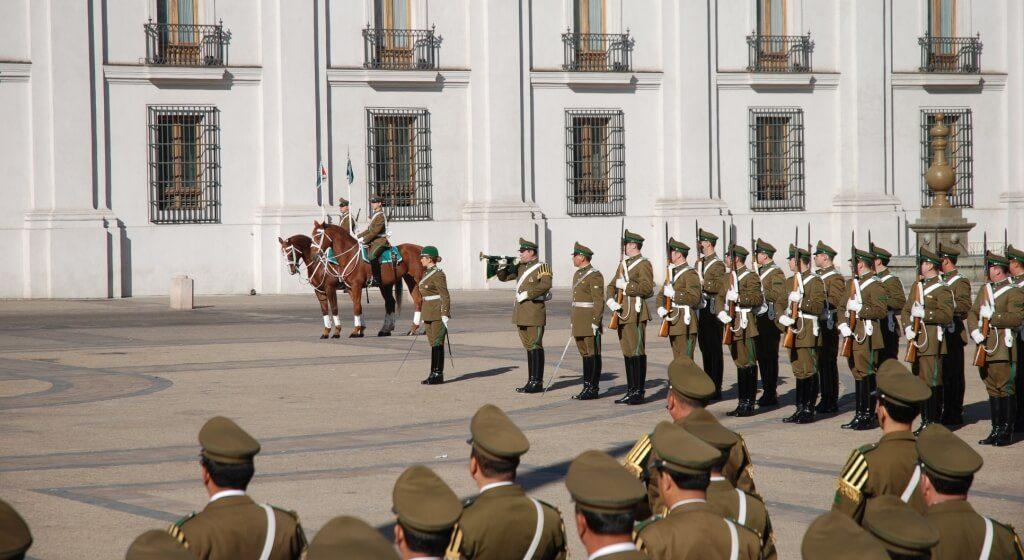 A-Troca-de-Guarda-em-La-Moneda-Santiago-Chile